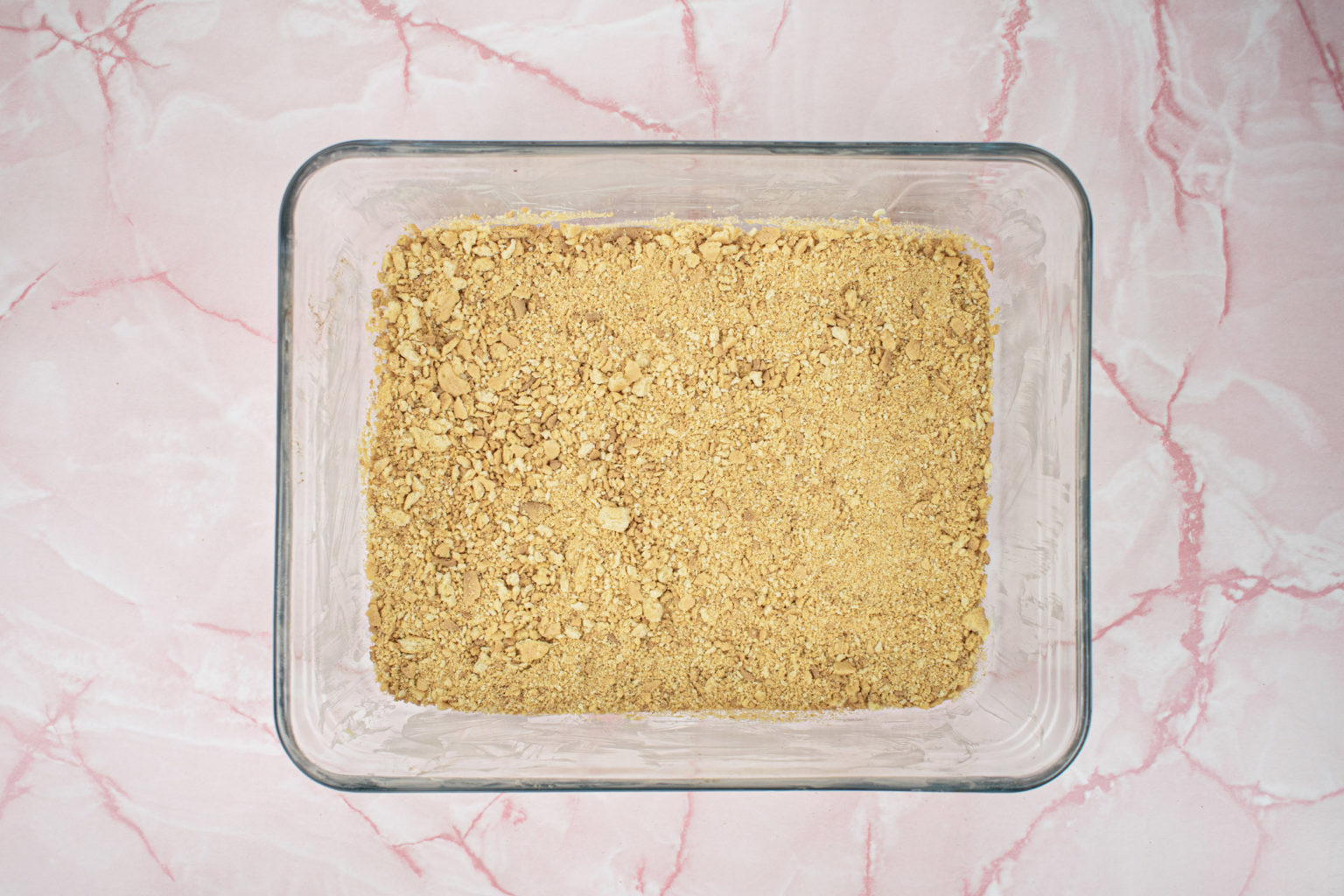 Biscuit layer in glass tray