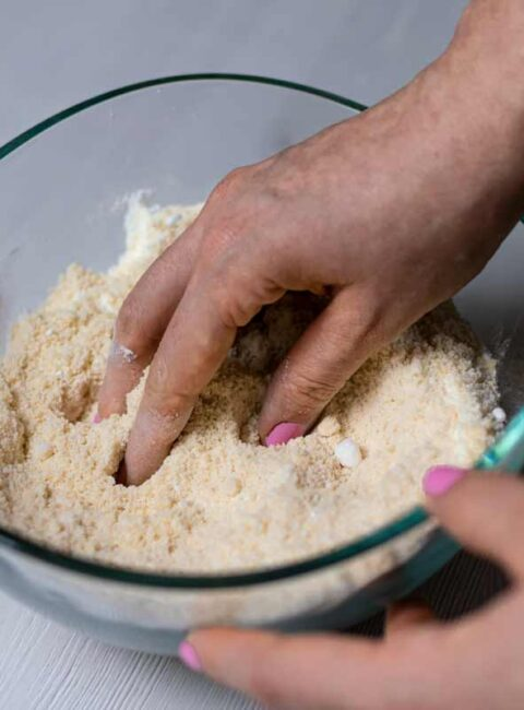 Mixing dry ingredients with hand